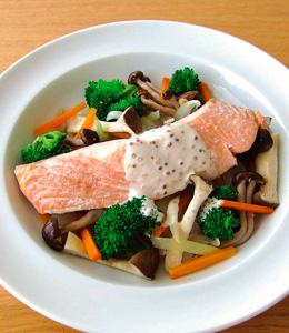 鮭とキノコの簡単レンジ蒸し