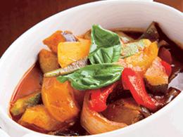 【vol.11 今月のまかないごはん】冷蔵庫野菜たっぷりスープ
