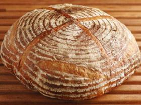 じっくりと味わいたい 「CALVA」のパン
