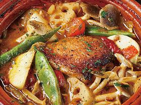 【vol.36今月のまかないごはん】モロッコ風トマトとチキンのタジン鍋