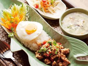 【vol.69】生野菜たっぷりのスパイシーなタイの地方料理を「スワンナプーム タイ」