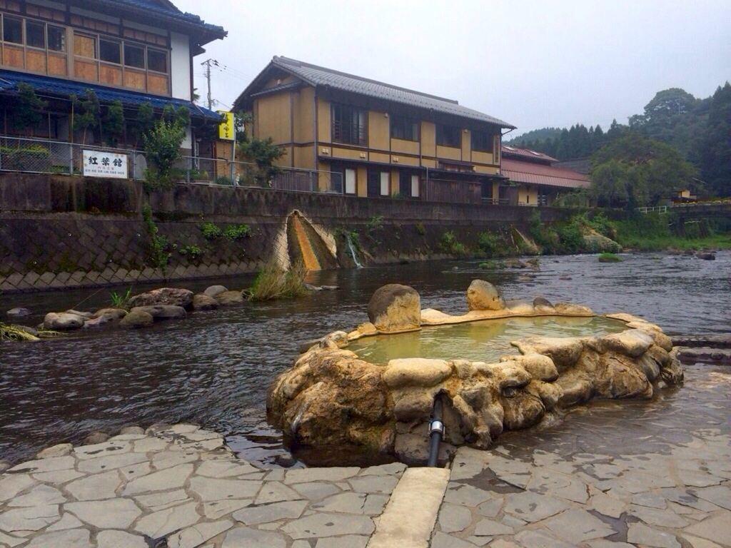 24時間タダ☆川の中の○○湯温泉