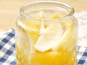 """ちょい足しでオシャレに変身! 話題の""""塩レモン""""を使った簡単レシピ"""