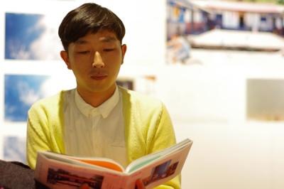 展覧会「川島小鳥+谷川俊太郎 おやすみ神たち」開催中