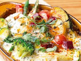 旬の野菜とチーズがたっぷり 「オーブン焼きカレー」