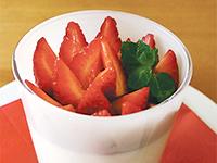 お店でも毎年大人気 「あまおうイチゴのパンナコッタ」