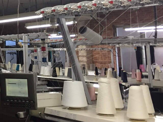 【工場見学】株)川島②:「ニットの生産工程を知る」まずは工場内の見学!