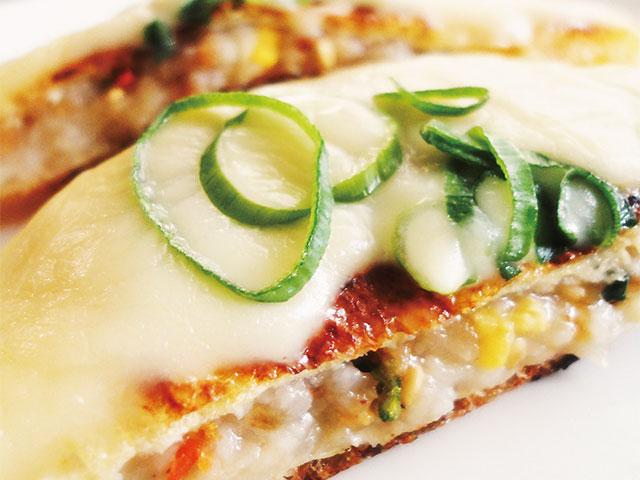 【vol.30】そぼろ入りのモッチリがクセになる味わい「長イモと薄揚げのもちもちピザ」