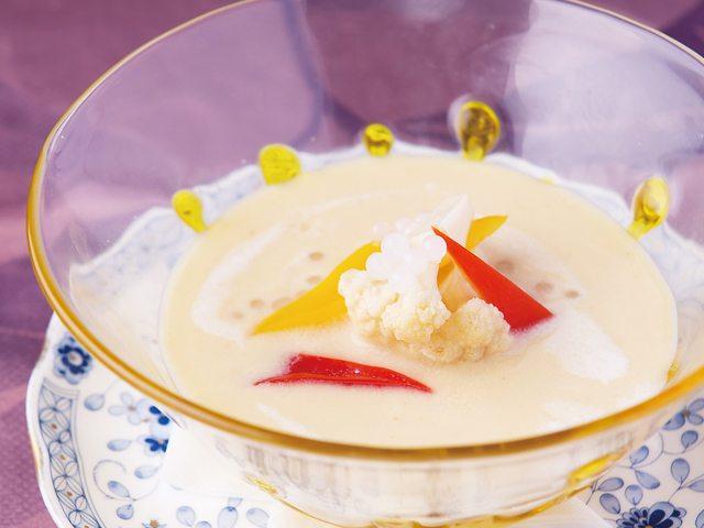 【vol.53今月のまかないごはん】ジャガイモの冷製スープ ピクルス入り