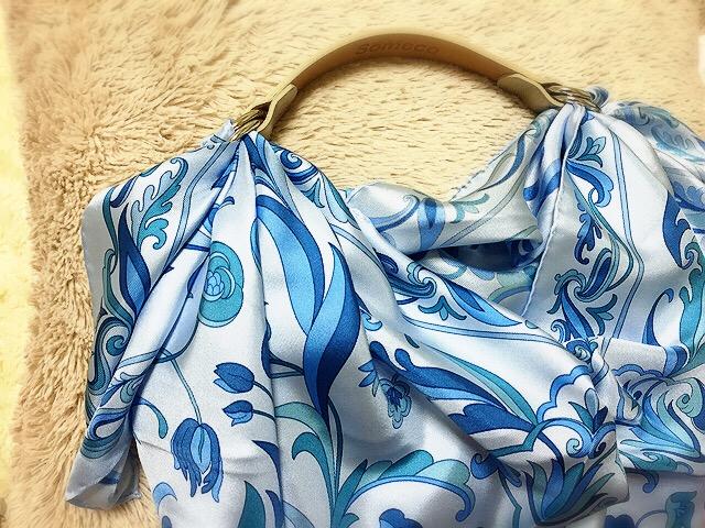 スカーフ小物が使える!バッグに変身?スカーフアレンジも簡単に!