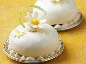 酸味と甘さがマッチ! 繊細な「柚子・オ・ショコラ」