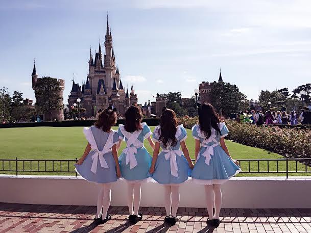 """夢の国で""""アリス""""女子会♡"""
