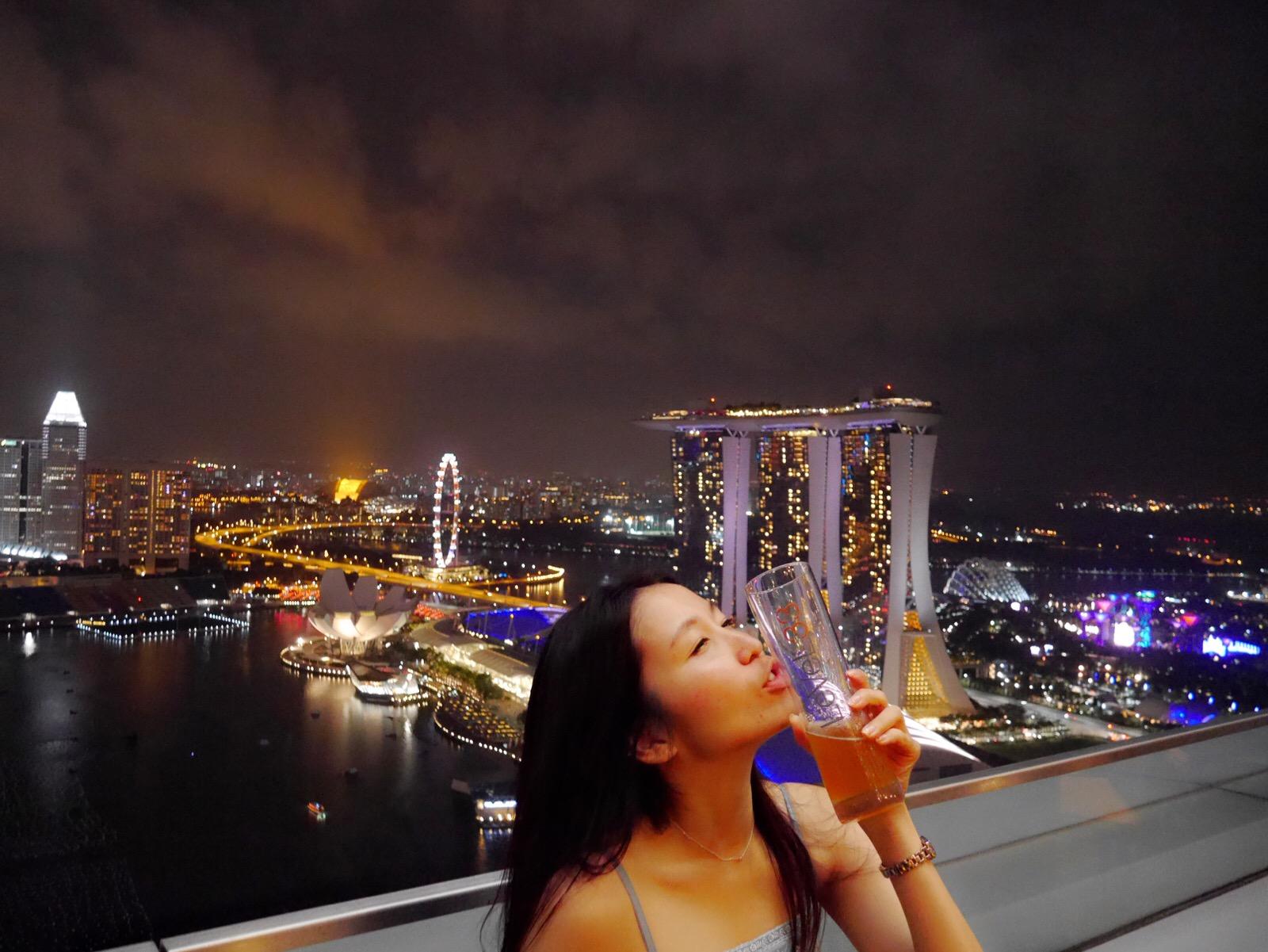 シンガポールの夜景を一人占め!33Fオープンエアーのお勧めのバー