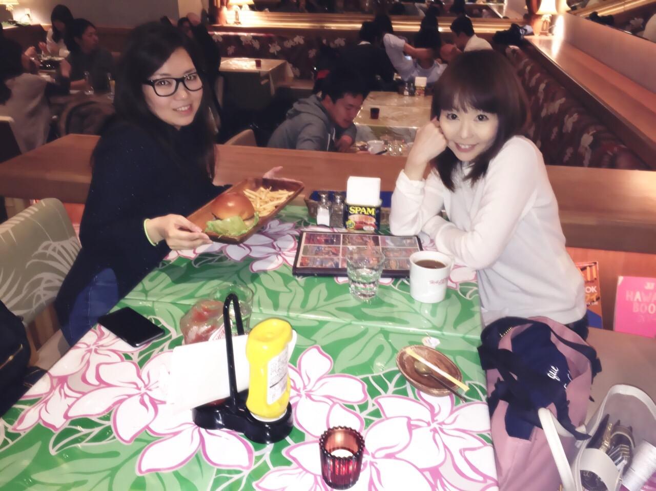横浜でオススメなハワイアンカフェ☆バーガが激ウマ!生ライブ開催中♪