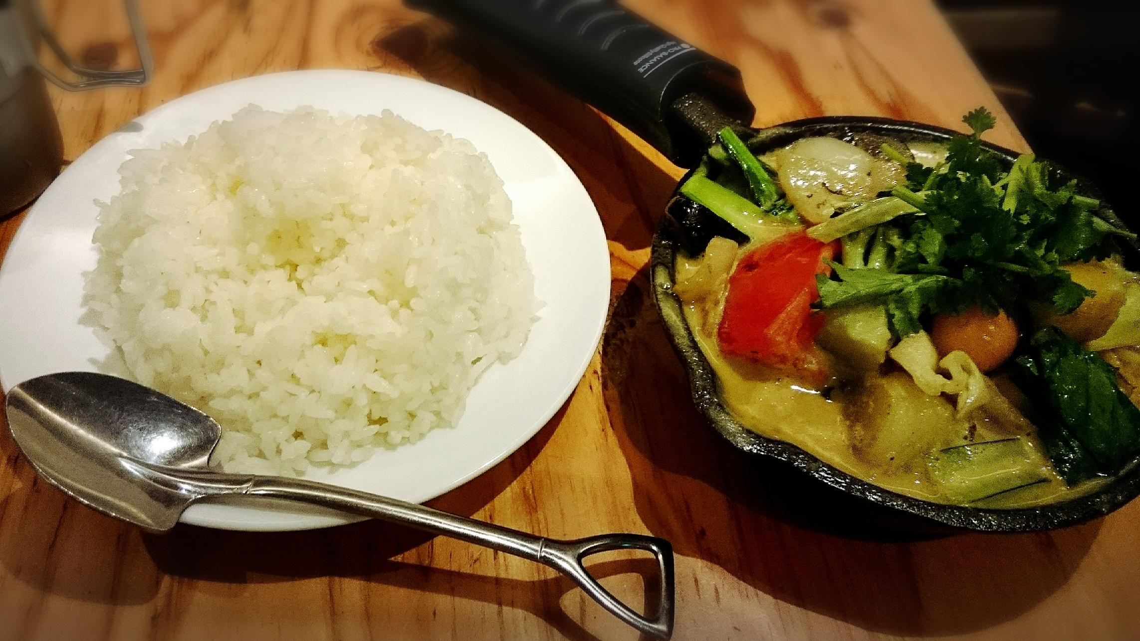 名古屋初!野菜を食べる カレー専門店camp