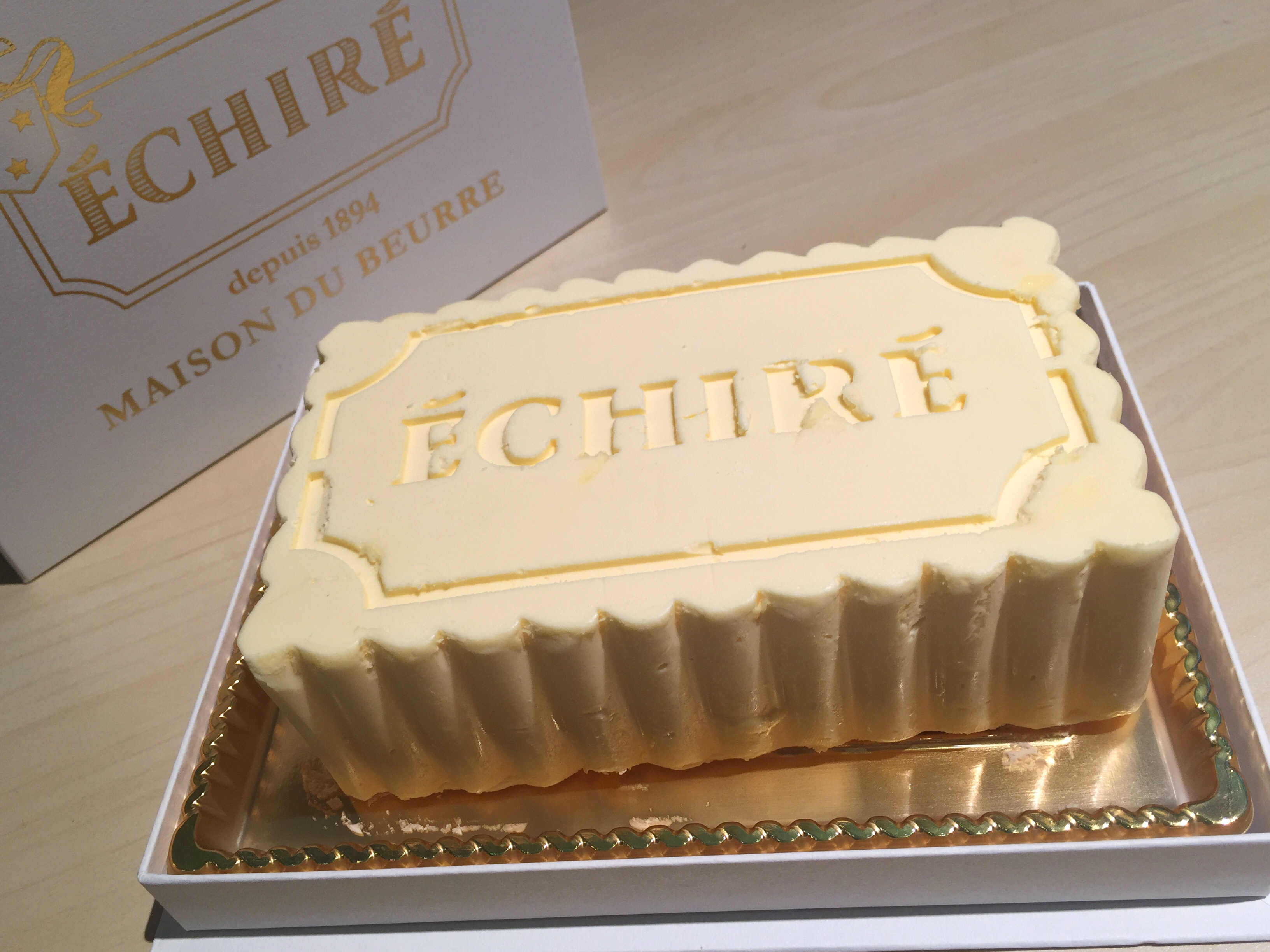 開店前に売り切れ?!超高級バター、エシレの限定ケーキを食べてみた!