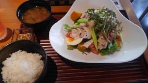 ☆名駅のお野菜ダイニングでヘルシーランチ☆