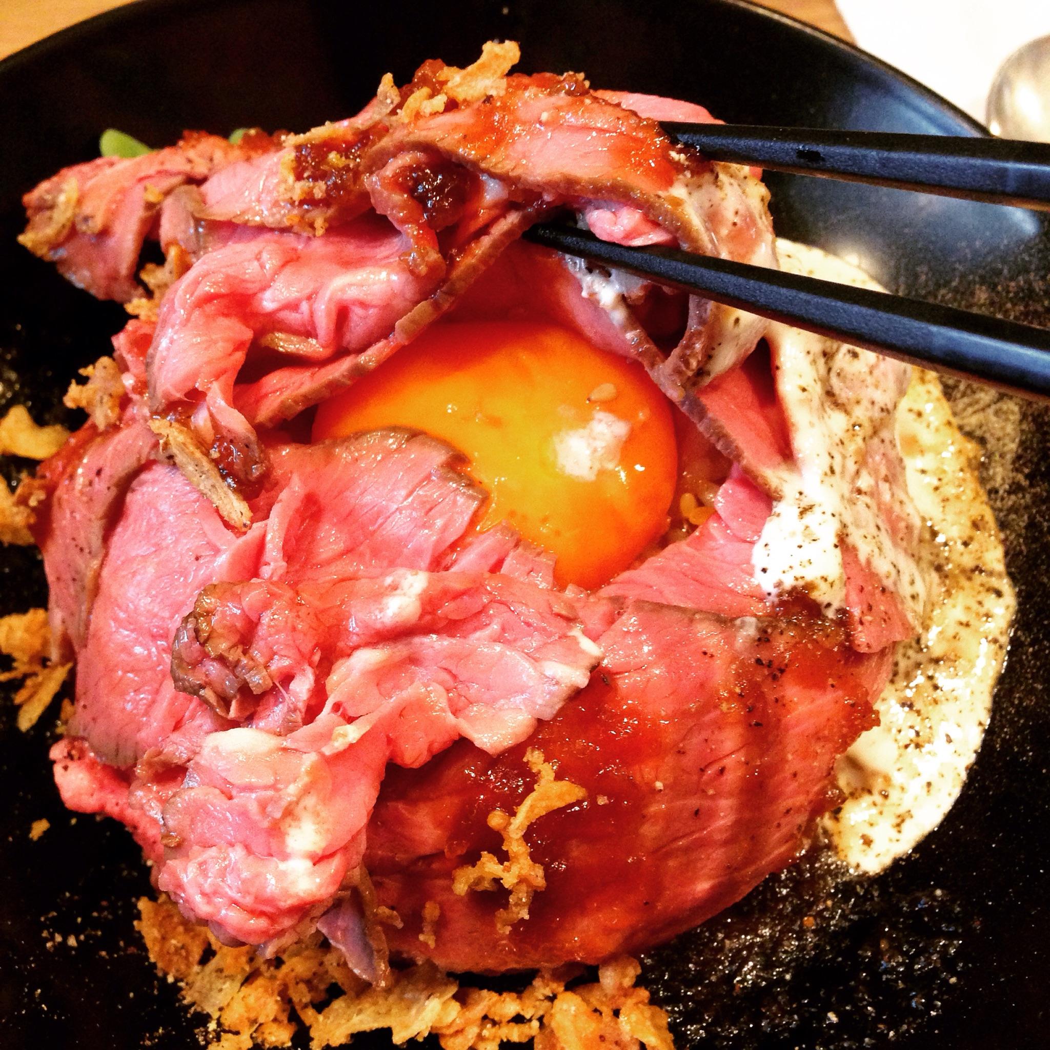 【栄・久屋大通】肉厚&濃厚卵のローストビーフ丼♪