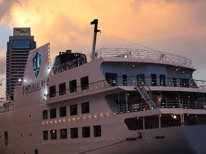 定番から穴場まで! 浴衣で行きたい、東京湾、横浜、千葉港で味わう納涼船