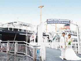 横浜市在住のカップルに 氷川丸船上挙式を プレゼント!