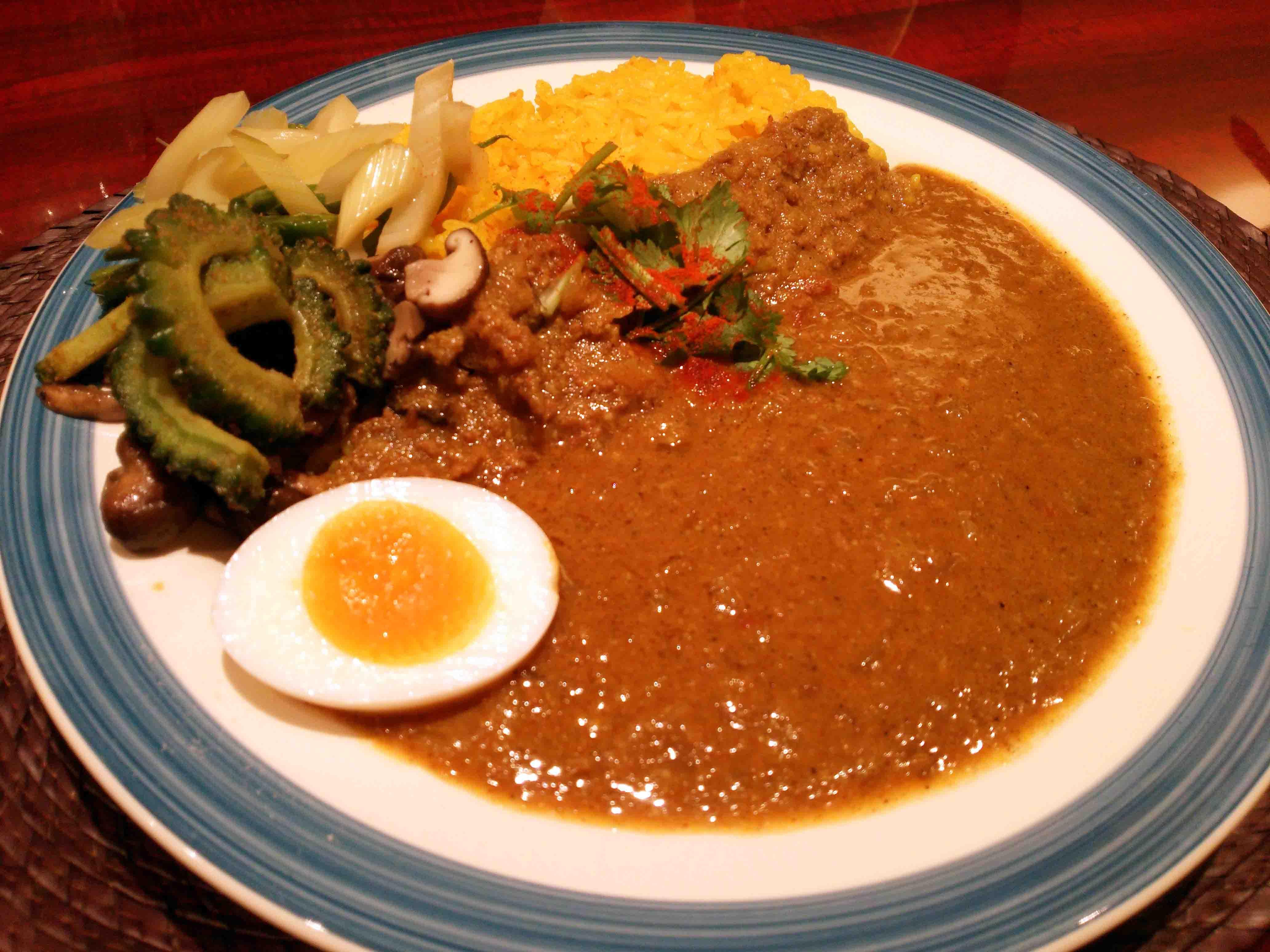 高級飲食店街【北新地】食べてきれいになる『薬膳カレー』