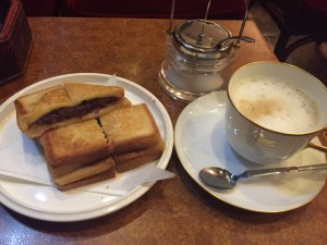 "TVで紹介された""あんプレス""が絶品♪一度は訪れたい、「喫茶店」ショパン"