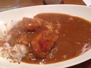 【節約飯】神戸に行ったら500円のチキントマトカレー!