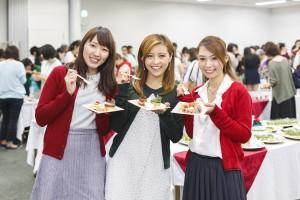 """フォトジェニックなケーキ&デリで今年は""""おうちクリスマス""""に決まり"""