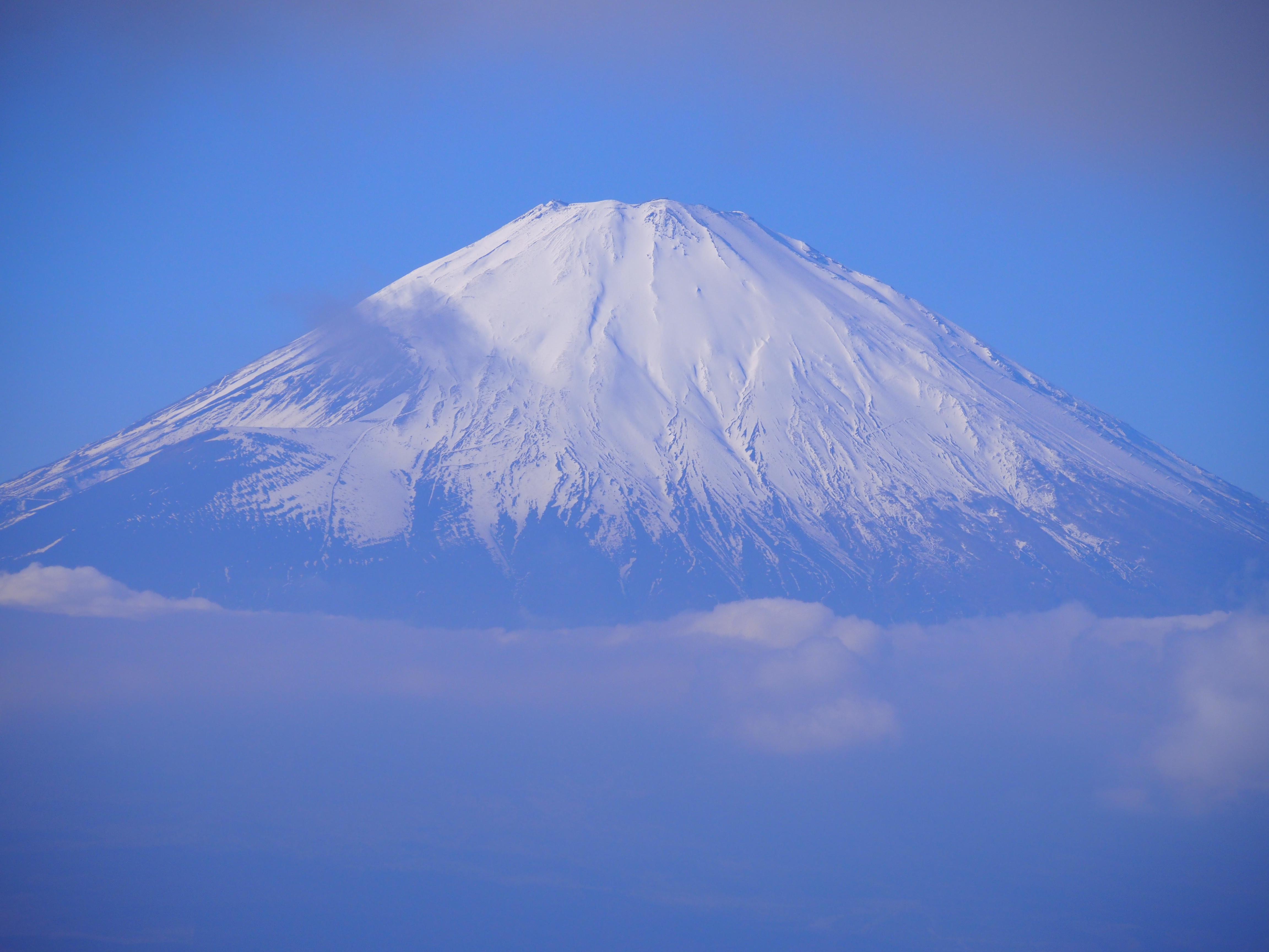 初冬におすすめ登山!冠雪の富士山をみに『金時山』@箱根