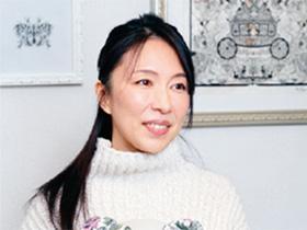 切り絵作家 蒼山日菜さん(46歳)