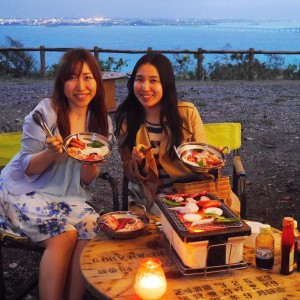 冬~春の沖縄の新しい夜の楽しみ方!野外シアターとBBQでメロウな時間を