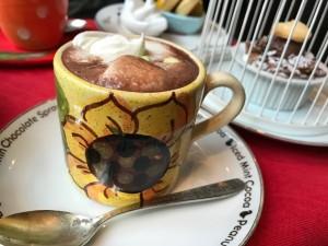ミナミでカフェ♪昭和48年創業のココア専門店