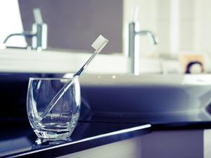 歯ブラシは手磨き派? それとも電動派?