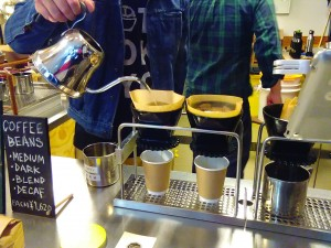 オーガニックでハンドドリップ、なのに金曜朝は無料のコーヒー