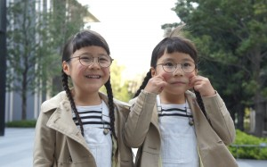 フォロワー数56万人超! 大人気ツインガールズ、りんあんちゃんママに聞く「双子育児」こぼれ話