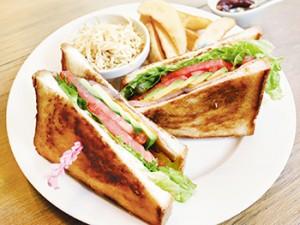 中洲川端駅◆イグニッションスイッチの贅沢サンド「BLTCA」