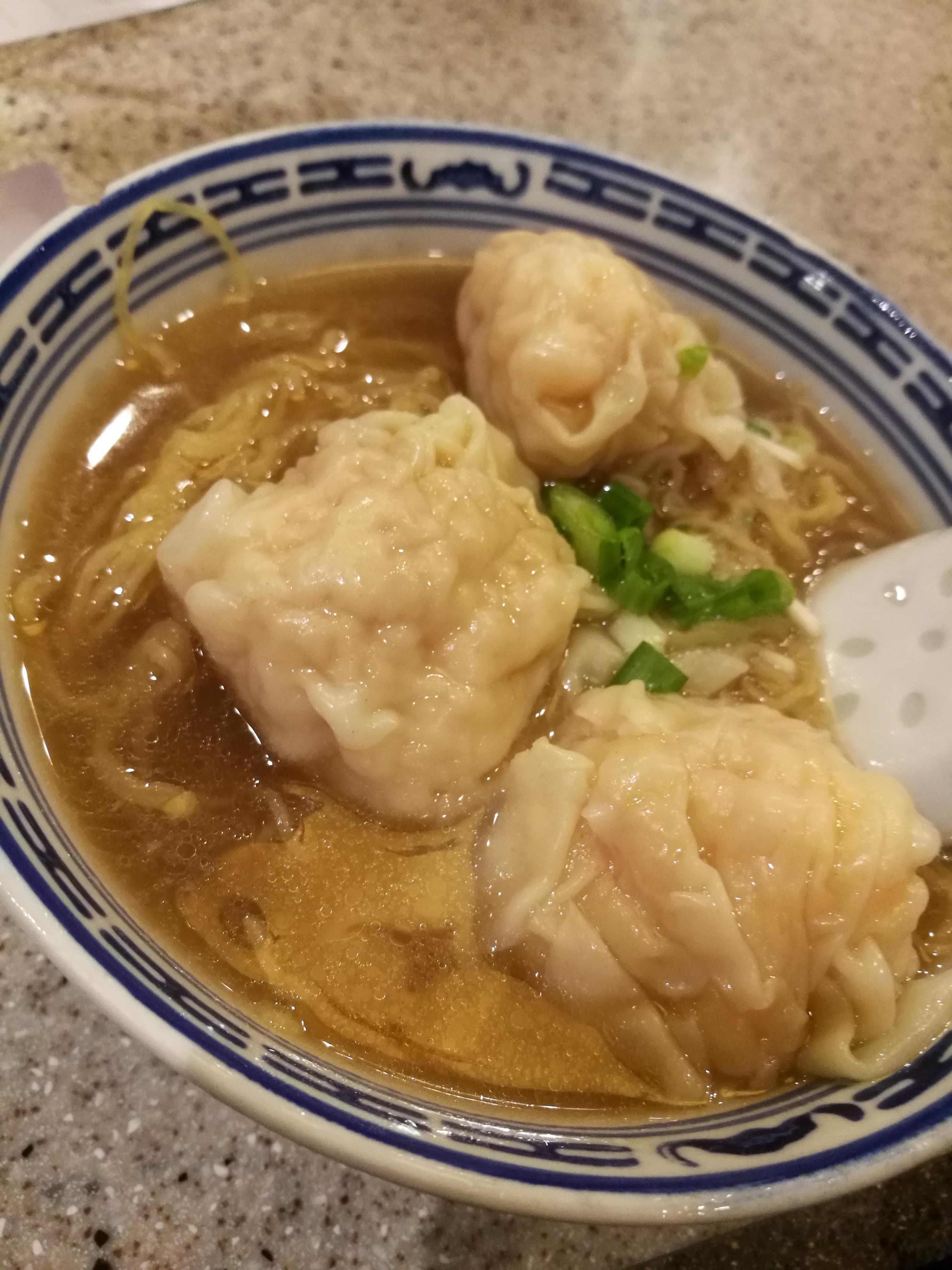 食べ過ぎ注意!香港グルメ、食べて、歩いて、また食べて!
