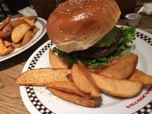 横浜で手軽なカフェ♡ハンバーガーランチが1000円!女子会向き♡