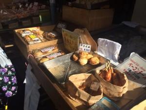 築地場外市場グルメは食べ歩きが楽しい!