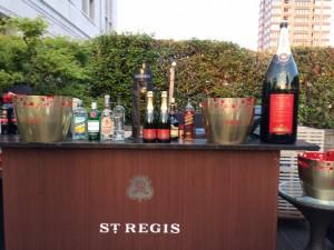 豪華すぎるビアガーデン「セントレジス シャンパン&ビアガーデンテラス」