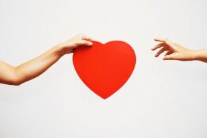 恋の駆け引きに必須!「手に入りそうで入らない距離」を極めよう