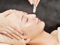 冬の手強い乾燥に「毛穴洗浄&リフトアップケア」60分4320円! 潤い美肌を目指す