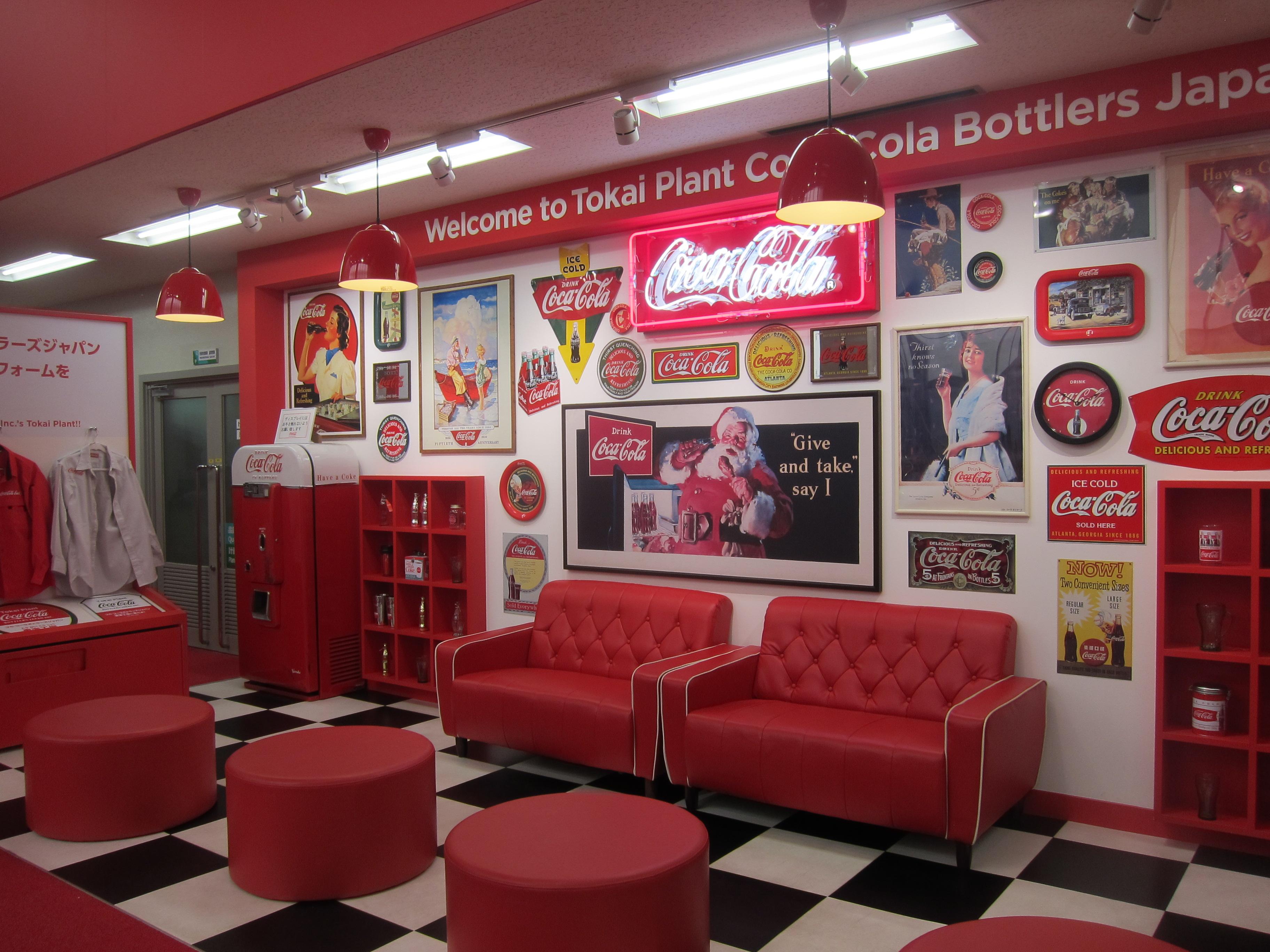 フォトジェニックな赤いコーラ部屋♪*コカ・コーラ 東海工場***