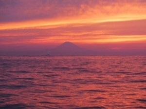 今年の夏至は、ヨガ・朝SUP・夕焼けを堪能してきました!