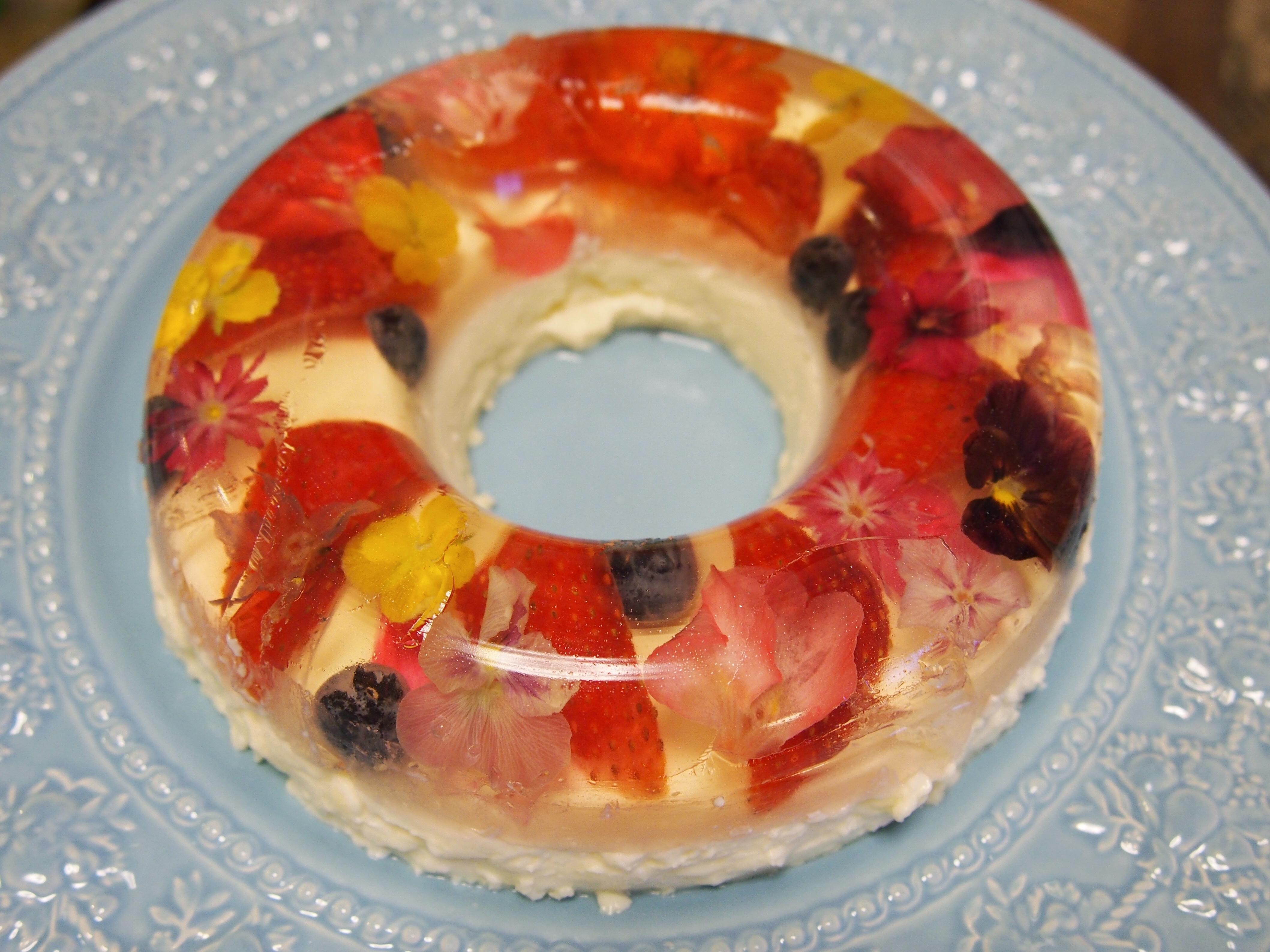 食べられるお花「エディブルフラワー」を使ったデザートを作ってみました♪