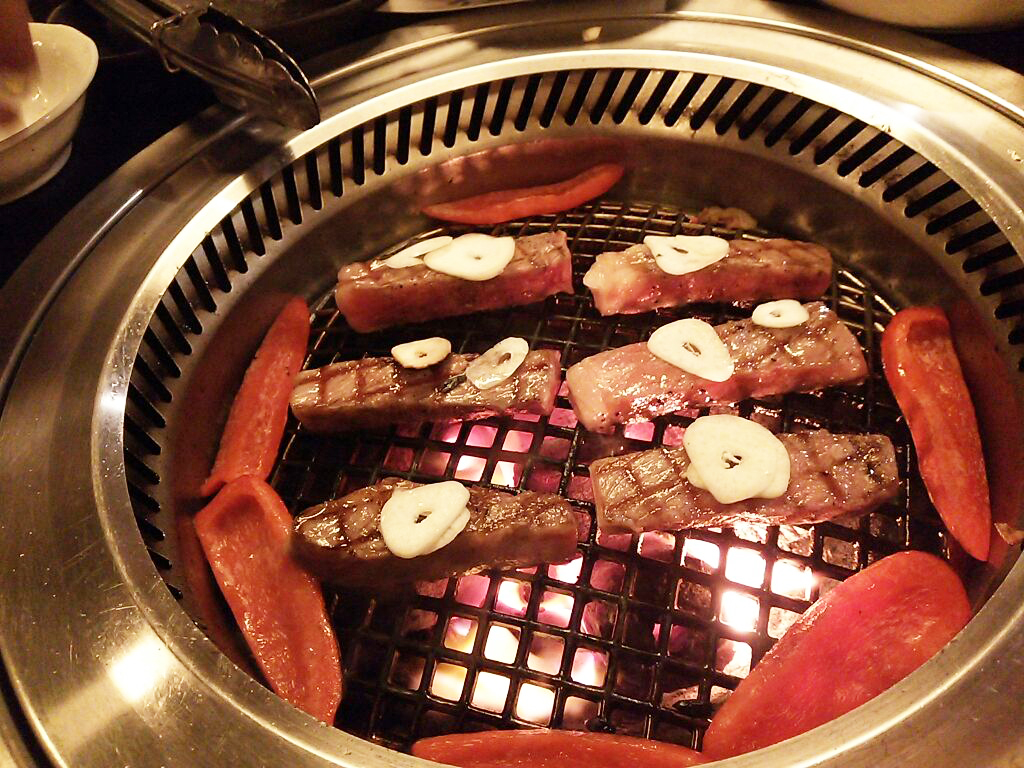 希少部位のいいお肉がリーズナブルに食べれる【焼肉店】