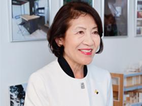 「横濱元町 AA STUDIO」代表 一級建築士・一級カラーコーディネーター 青木恵美子さん(64歳)