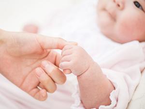 働く女性にとって永遠のテーマ。あなたは母になりたいですか?