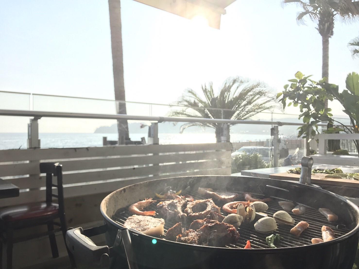 海が見えるカフェで手ぶらBBQ!夏の思い出を作るならここで決まり!