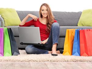 ネットで服を購入する人、急増中!? 店舗VSネットショッピングどちらが多い?